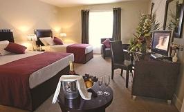 Armada Hotel Bedroom